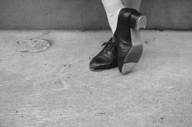女性のスーツに靴下はあり?なし?靴下を選ぶ際のポイント!
