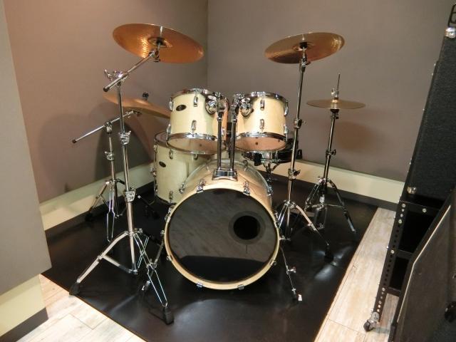 【ドラムの練習方法】初心者は8ビートの習得を目指そう!