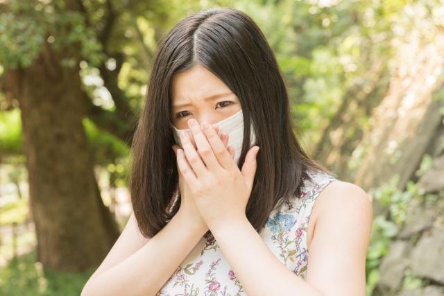 花粉症で目が真っ赤になった時にすぐできる簡単な対処法!