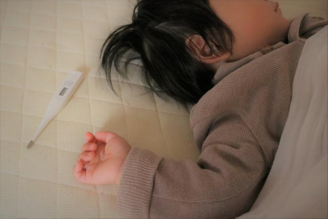 幼児に高熱と震えの症状が。冷静に対応することが一番重要