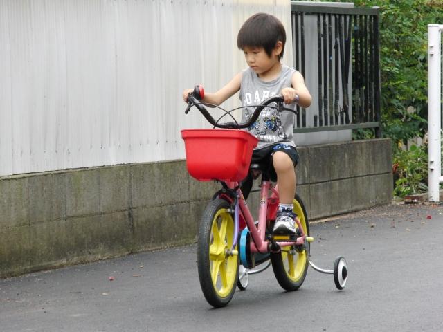 自転車の補助輪を外すのは何歳から?外すタイミングを調査!