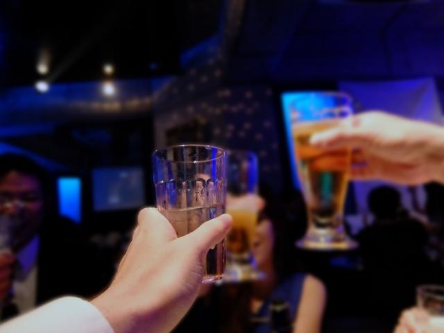お酒が強い人の特徴って?鍛えればお酒に強くなる?