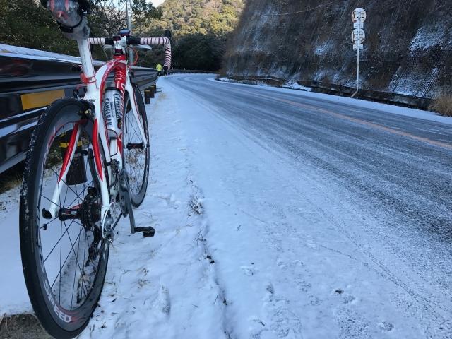 雪道での自転車運転は危険だらけ!どうしてもの場合の注意点とは